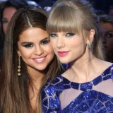 Selena Gomez & Taylor Swift @ Billboard Music Awards 2013